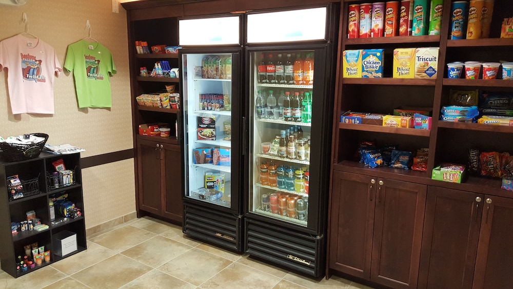 Vending Machine, Holiday Inn Express Hotel & Suites Twin Falls, an IHG Hotel