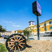 Sleep Inn And Suites Gonzales