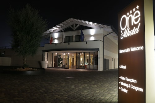 OneMhotel