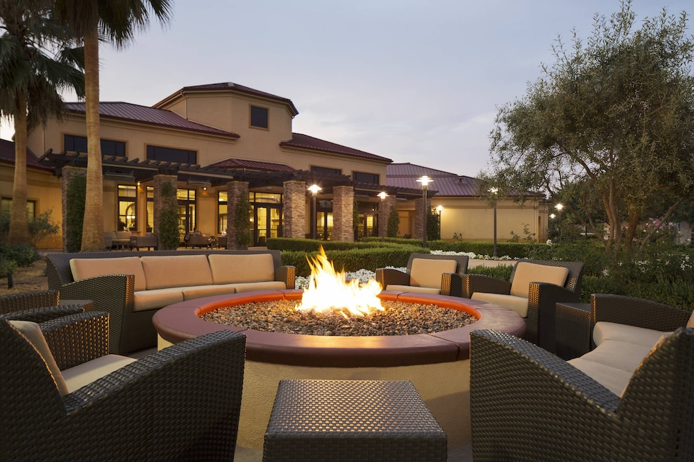 BBQ/Picnic Area, SpringHill Suites Napa Valley