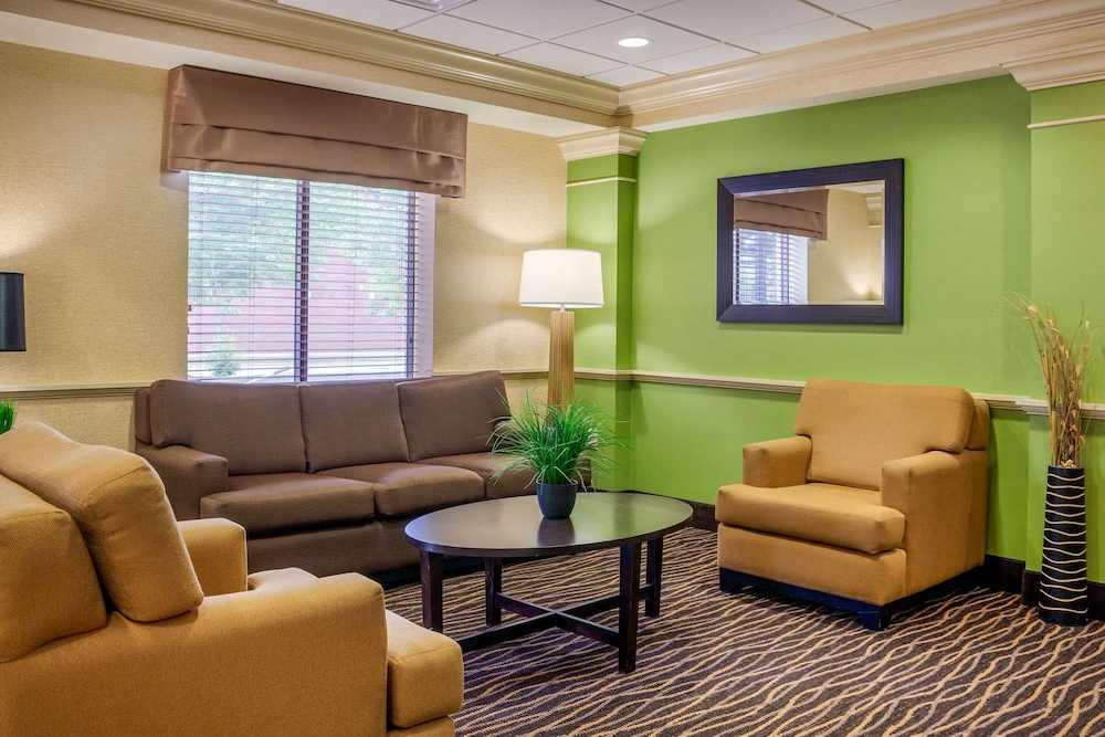 Lobby, Sleep Inn & Suites Airport
