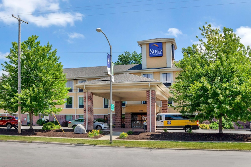 Exterior, Sleep Inn & Suites Airport