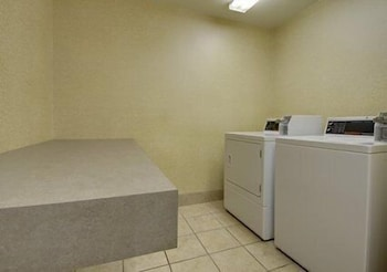 Laundry Room, Sleep Inn & Suites Airport