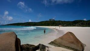 Plage, serviettes de plage, plongée sous-marine