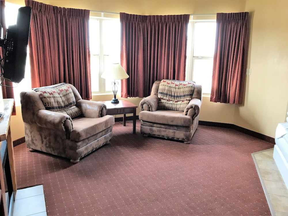 Living Room, AmericInn by Wyndham Fargo Medical Center