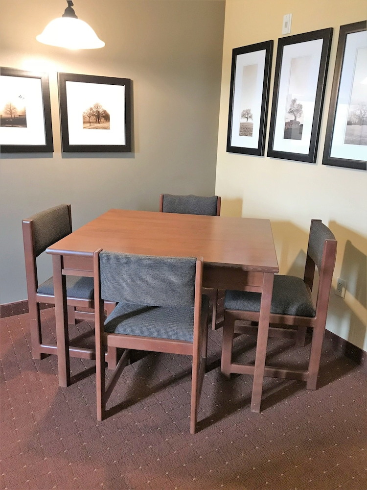 In-Room Dining, AmericInn by Wyndham Fargo Medical Center