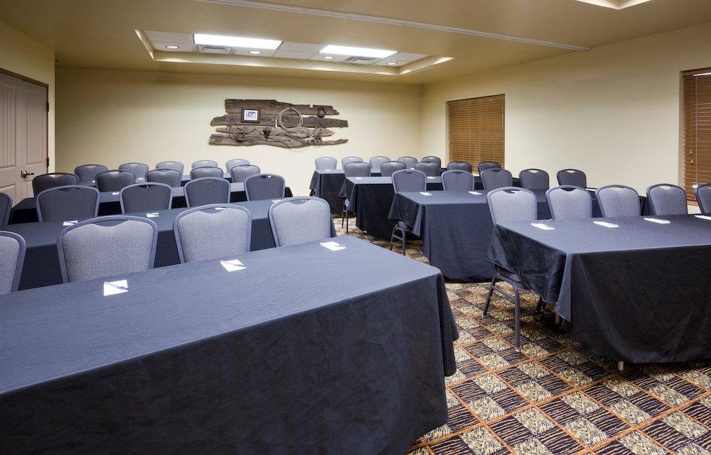 Meeting Facility, AmericInn by Wyndham Fargo Medical Center