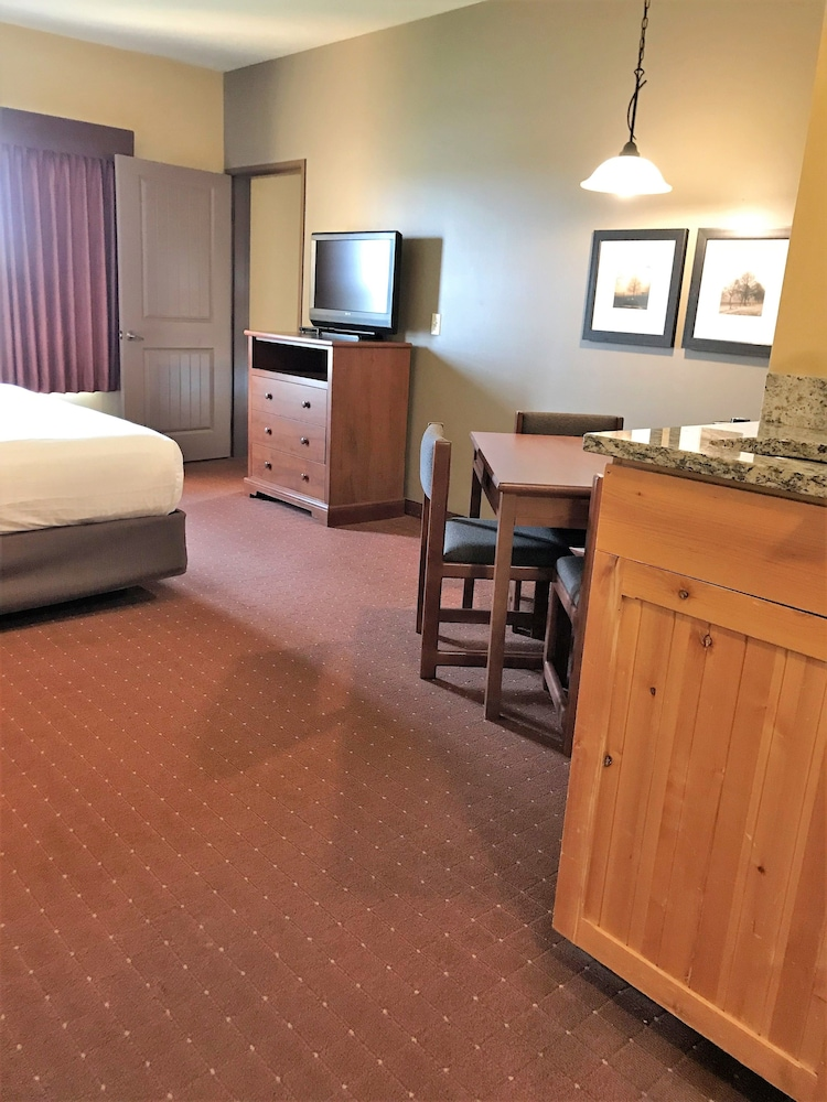 Room, AmericInn by Wyndham Fargo Medical Center