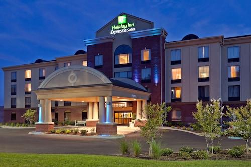 Great Place to stay Holiday Inn Express Hotel & Suites Kodak East - Sevierville near Kodak