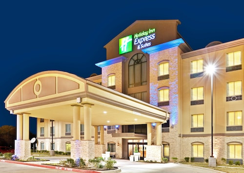Great Place to stay Holiday Inn Express & Suites Dallas Fair Park near Dallas