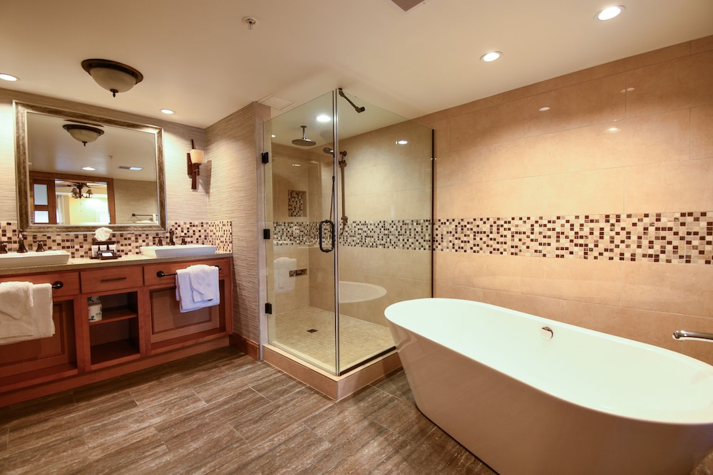 Bathroom, Lodges at Timber Ridge By Welk Resorts