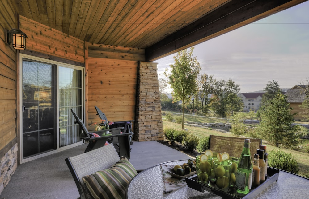 Terrace/Patio, Lodges at Timber Ridge By Welk Resorts