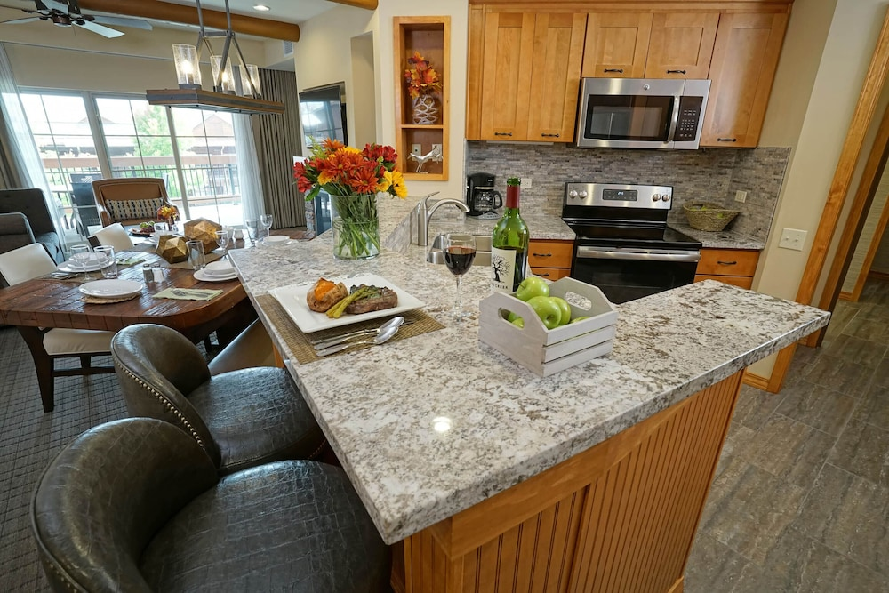 Private Kitchen, Lodges at Timber Ridge By Welk Resorts