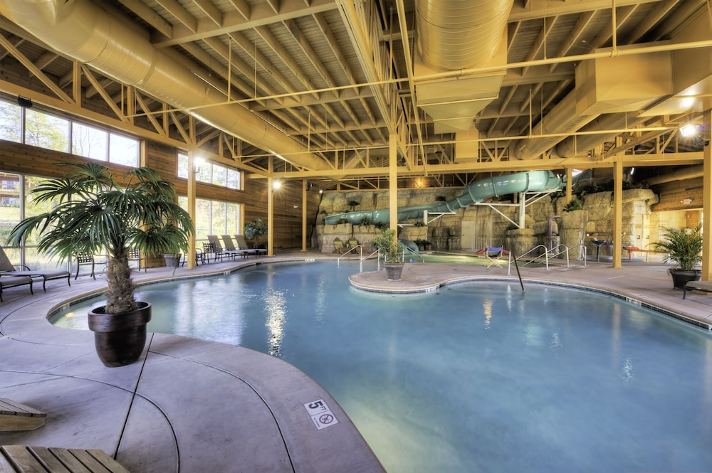 Indoor/Outdoor Pool, Lodges at Timber Ridge By Welk Resorts