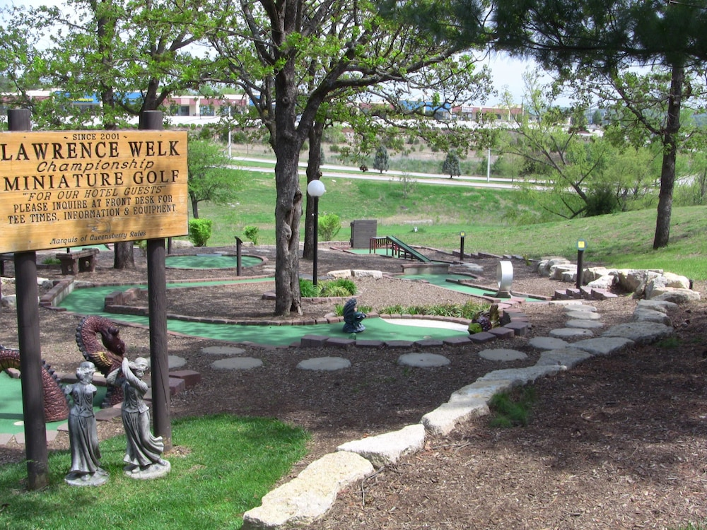 Mini-Golf, Lodges at Timber Ridge By Welk Resorts
