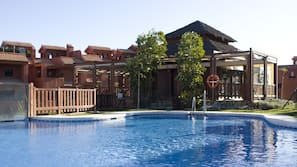 7 outdoor pools, pool umbrellas