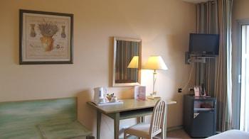840 Avenue d'Espagne, 66000 Perpignan, France.