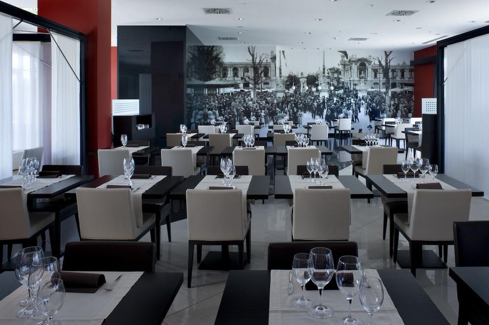 Book domina milano fiera novate milanese hotel deals for Milano fiera