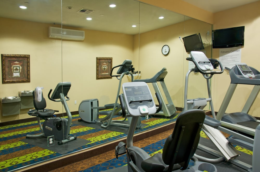 Fitness Facility, Holiday Inn Express Hotel & Suites Galveston West-Seawall