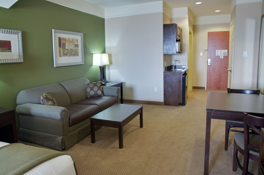 Holiday Inn Express Hotel & Suites Galveston West-Seawall ...