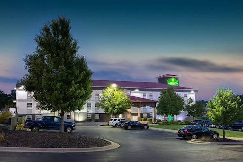 La Quinta Inn & Suites by Wyndham Blue Springs