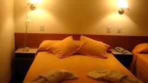 Cofres nos quartos, ferros/tábuas de passar roupa, berços grátis