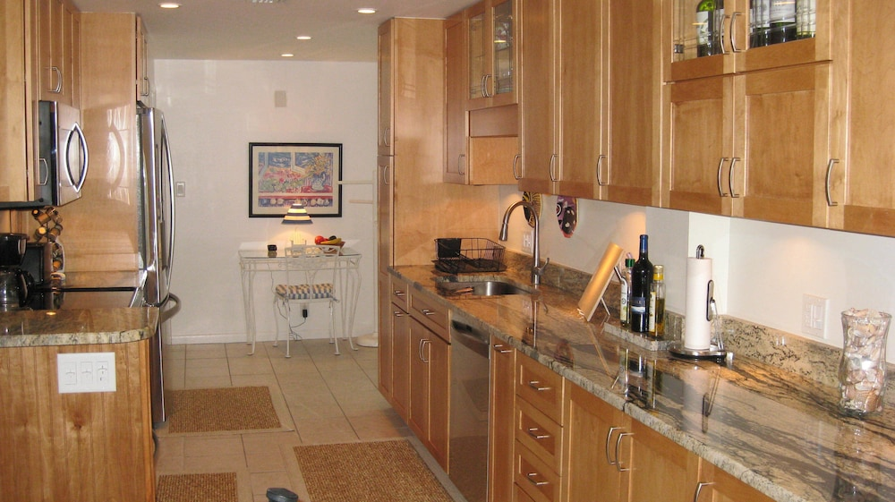 Condo, 2 Bedrooms, 2 Bathrooms - In-Room Kitchen