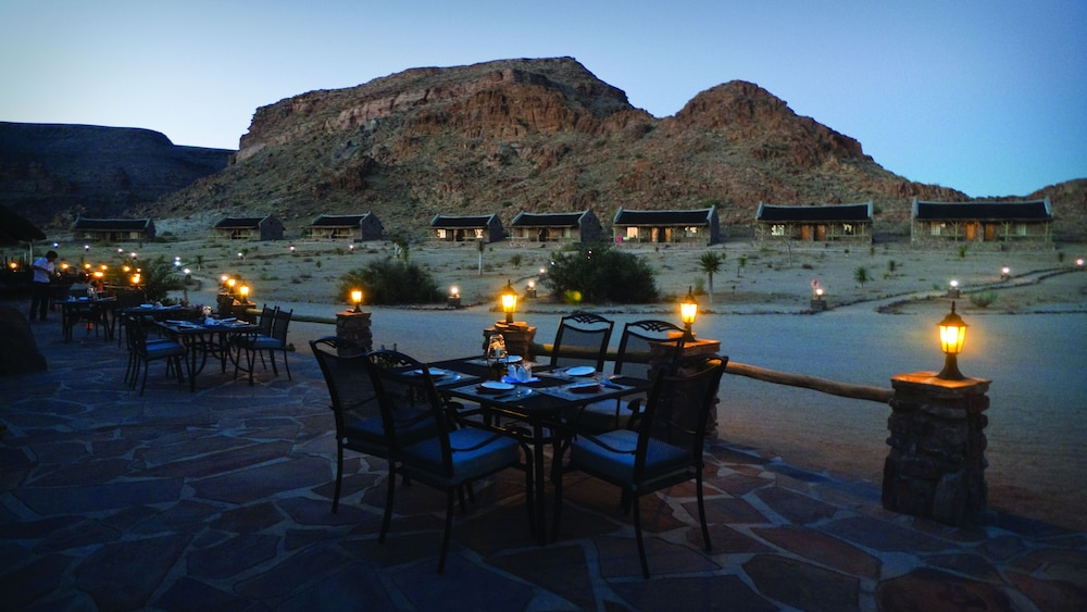Outdoor Dining, Canyon Village