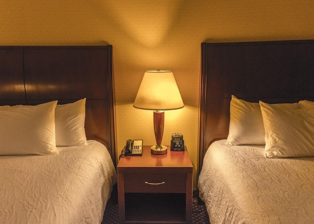 hilton garden inn bangor 30 out of 50 guestroom guestroom - Hilton Garden Inn Bangor