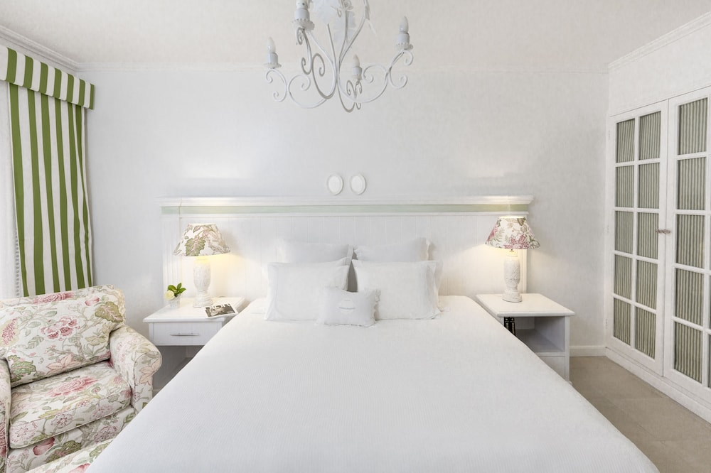 Room, La Mision Hotel Boutique