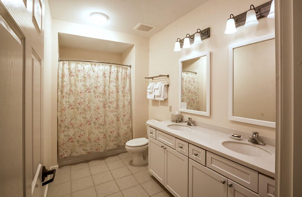 Bathroom, Jackson Gore Village