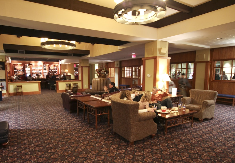 Lobby Sitting Area, Jackson Gore Village