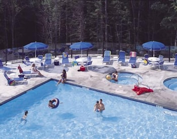 Outdoor Pool, Jackson Gore Village
