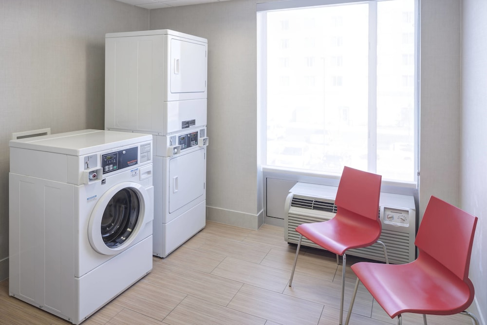 Laundry Room, SpringHill Suites by Marriott Salt Lake City Airport