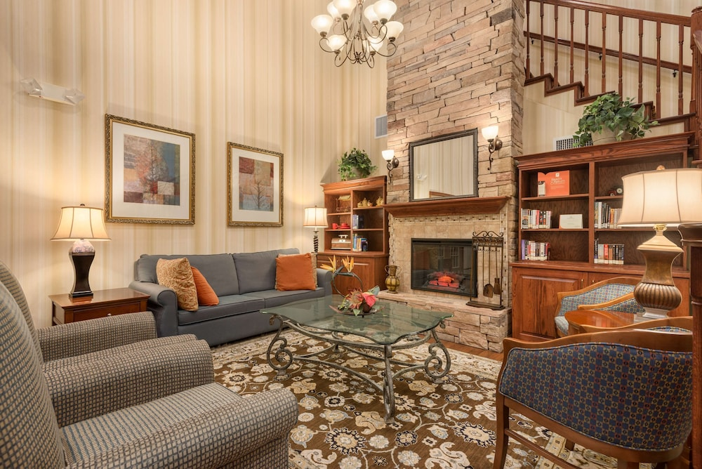 Lobby, Country Inn & Suites by Radisson, Tampa Casino-Fairgrounds, FL