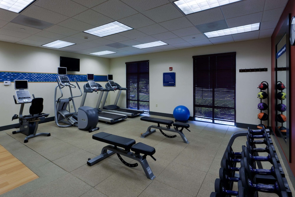 Fitness Facility, Hampton Inn Rochester Webster