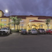 La Quinta Inn & Suites Houston East at Normandy