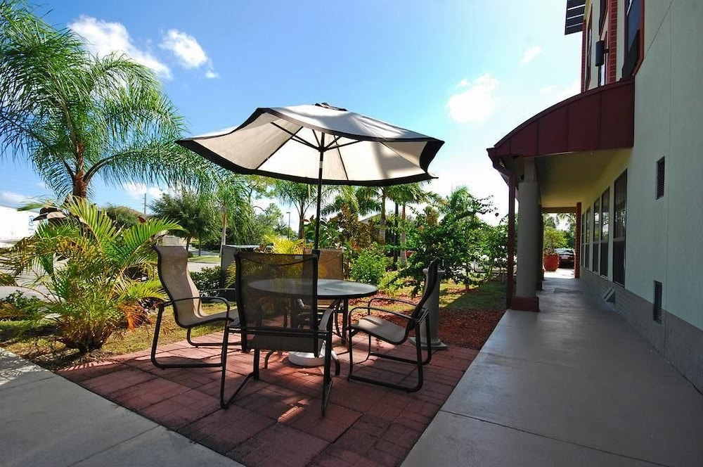 Terrace/Patio, Best Western Plus Bradenton Gateway Hotel