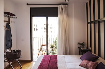 AinB Eixample-Entenza Apartments