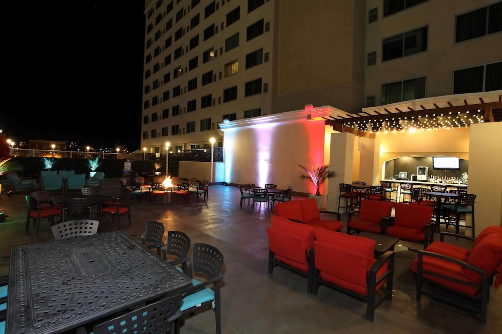 Exterior, DoubleTree by Hilton El Paso Downtown