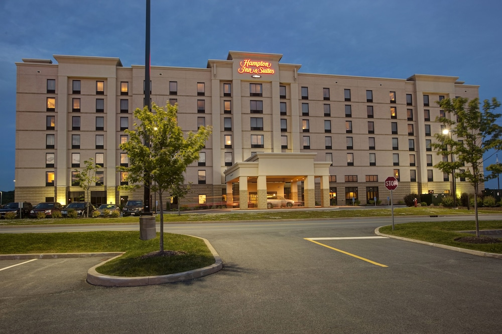 Front of Property - Evening/Night, Hampton Inn & Suites by Hilton Halifax - Dartmouth