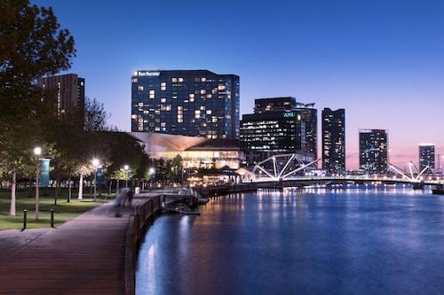 Pan Pacific Melbourne