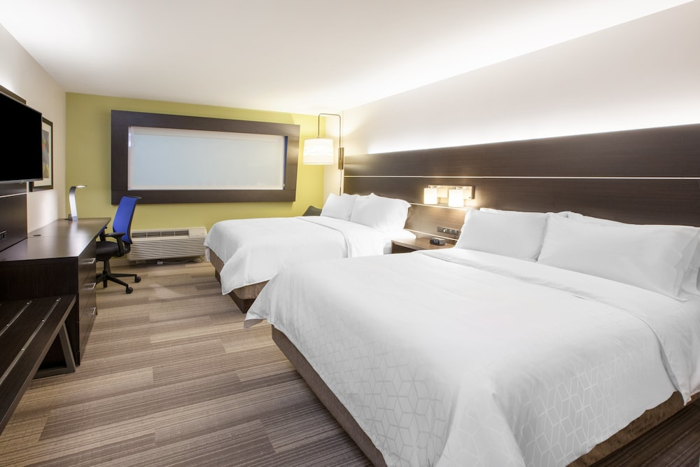 Room, Holiday Inn Express Hotel & Suites Banning