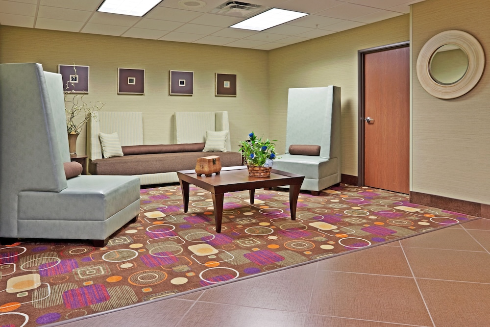 Lobby, Holiday Inn Express Troutville