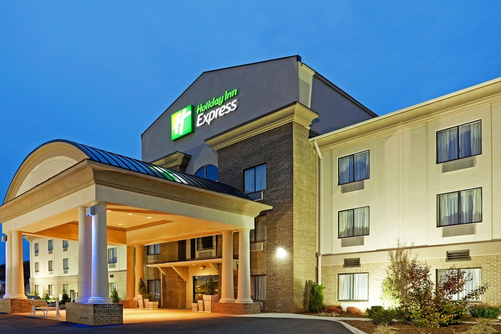 Exterior, Holiday Inn Express Troutville