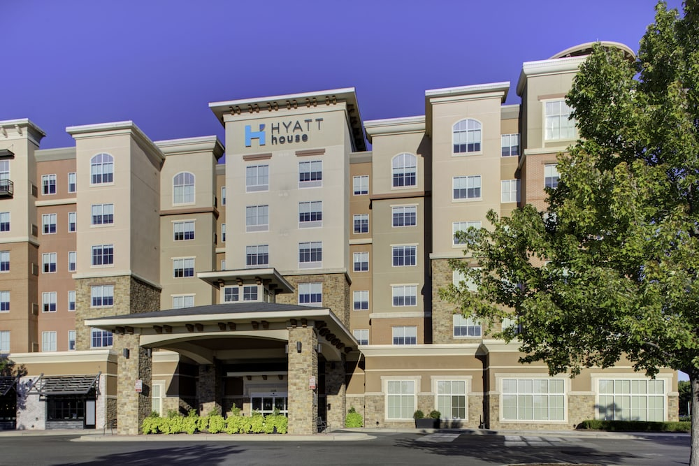 Front of Property, HYATT house Richmond-West