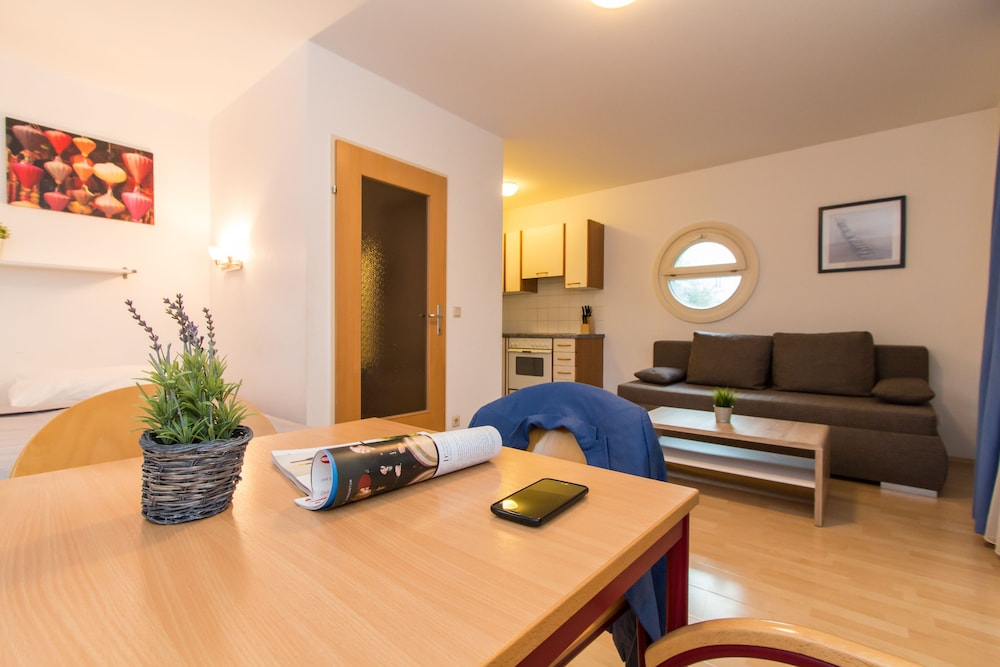 CheckVienna - Apartmenthaus Hietzing: 2019 Room Prices $77