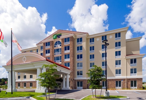 Great Place to stay Holiday Inn Express Hotel & Suites Ft Myers East- The Forum near Fort Myers