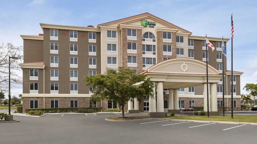 Holiday Inn Express Hotel & Suites Fort Myers East - The Forum, an IHG Hotel
