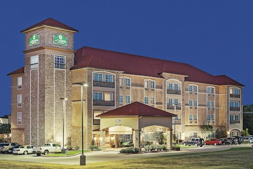 La Quinta Inn & Suites by Wyndham Allen at The Village